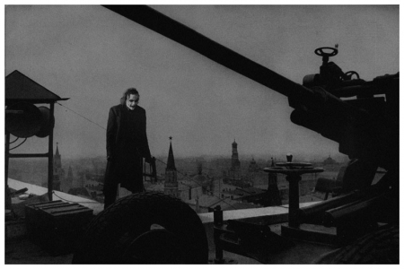 010-external-post-defense-on-the-hotel-roof-moscow-1941