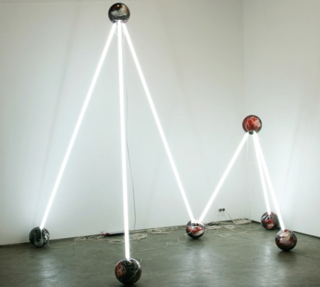 045-fluorescent-light-bulbs
