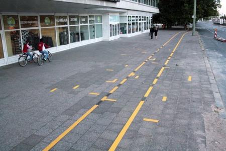 024-broken-bike-lane