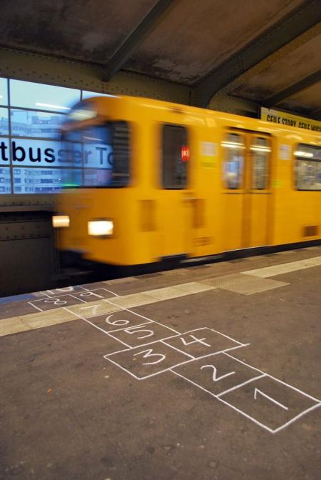 045-chalk-mark-hopscotch