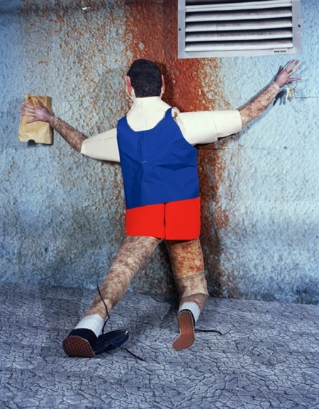 031-one-day-pictures-wall-man