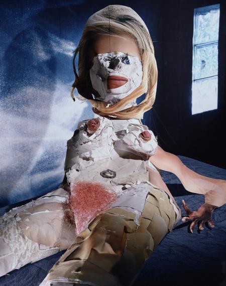 035-portrait-studio-reclining-nude