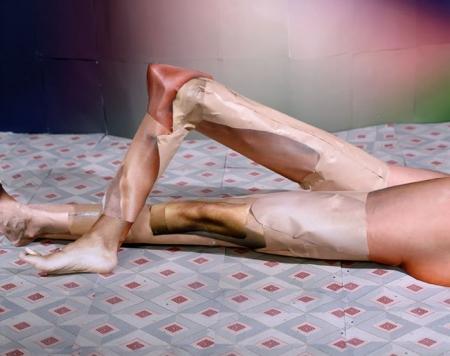 037-portrait-studio-womans-legs