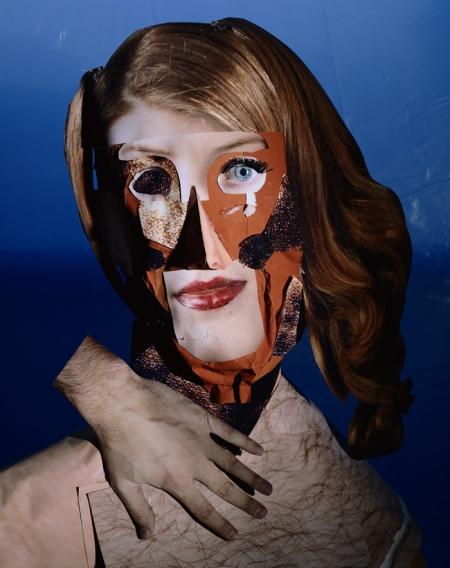 048-portrait-studio-red-headed-woman