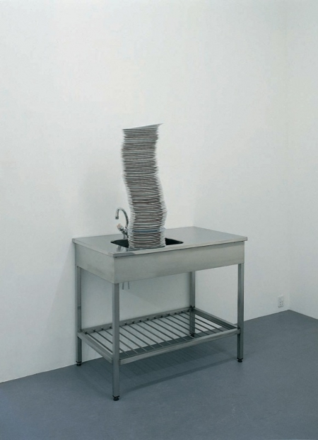 041-stack-of-plates-1999