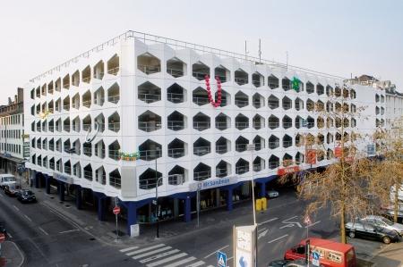 INGES IDEE: Parkhaus Carlsplatz Duesseldorf