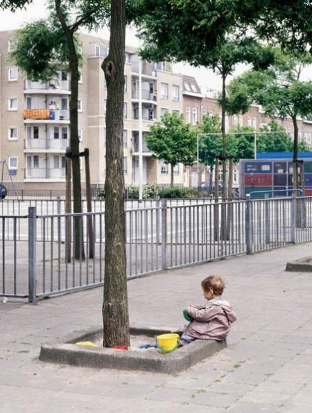 030-child-playing-rotterdam-2001