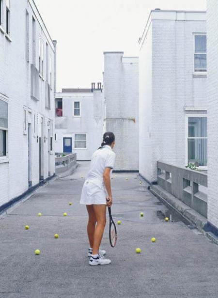 032-female-tennis-player-rotterdam-2001