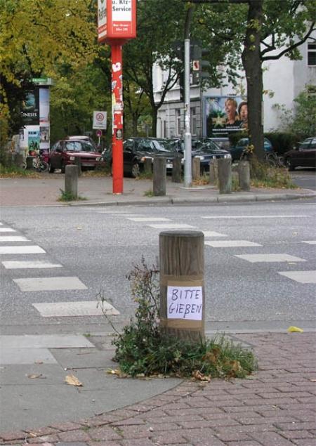 049-give-water-please-hamburg-2004