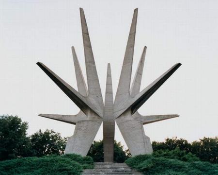 spomenik-3-2006.jpg