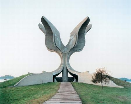 spomenik-9-2007.jpg