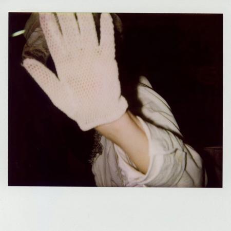 065-hands-up