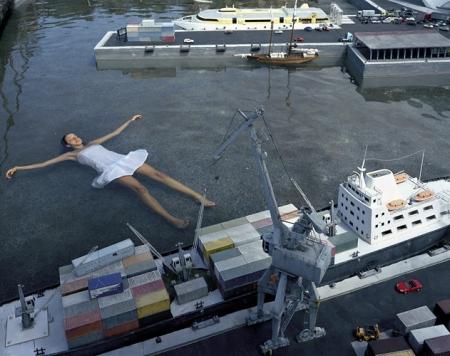 019-floating-in-harbour-2005.jpg