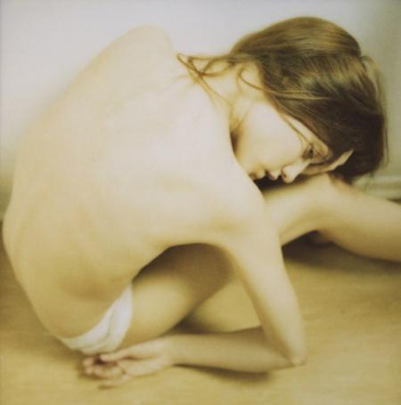 047-polaroid-humanoid