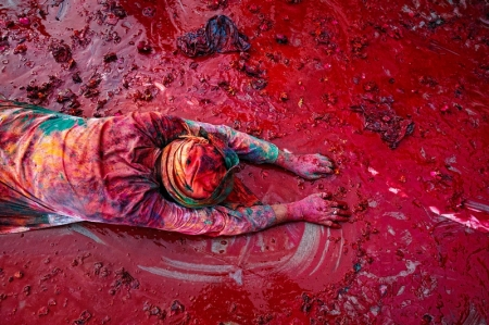 002-faith-holi-india.jpg