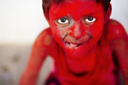 013-holi-portrait-india.jpg