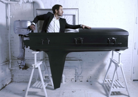 038-the-boat-coffin-2008