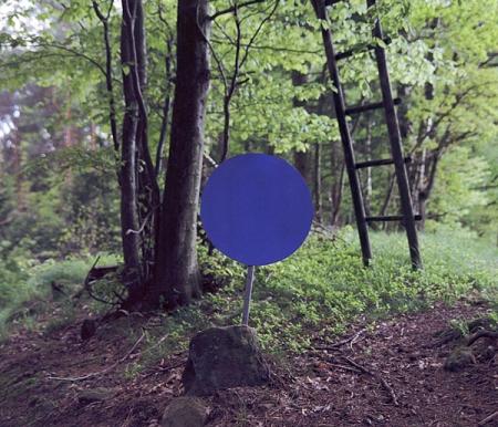 007-blue-dot