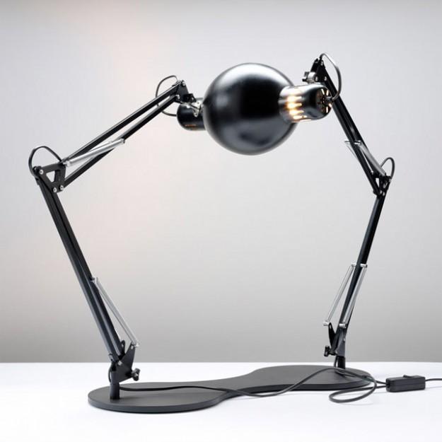 Self Reflecting Lamp
