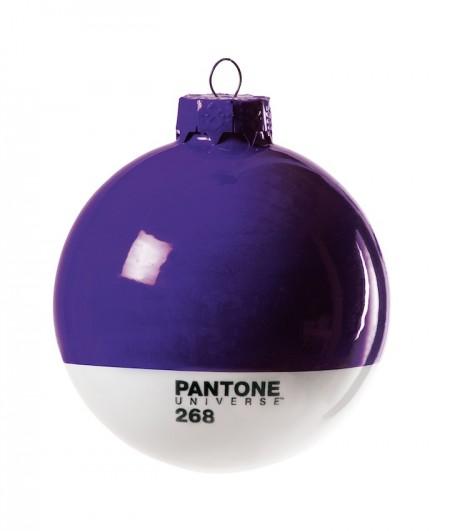 Pantone Xmas ball 268