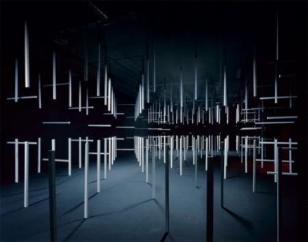 003-esther-stocker-installationsansicht-geometrisch-betrachtet-2008.jpg