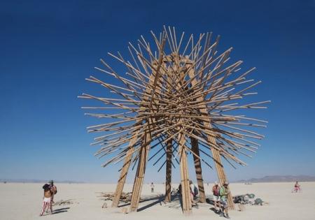 021-starry-bamboo-mandala-an-installation-by-gerard-minakawa-2006.jpg