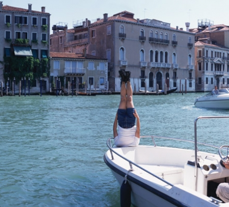 015-liwei-falls-to-the-venezia-2005.jpg