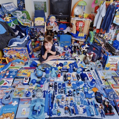 012-terry-and-his-blue-things-2005