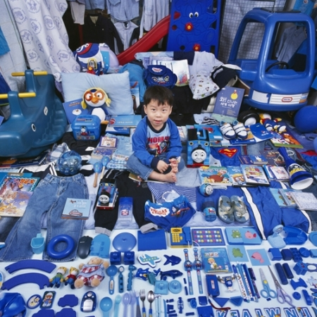 028-seungwoo-and-his-blue-things-2007