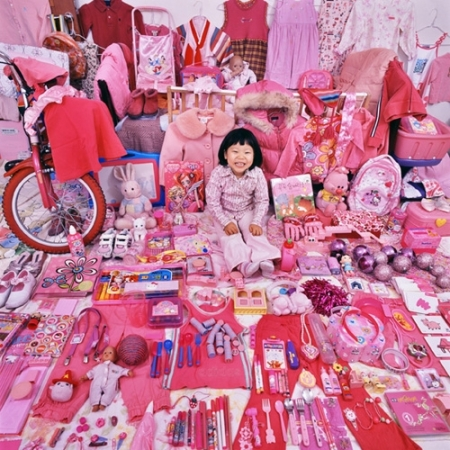 035-jiseon-and-her-pink-things-2008
