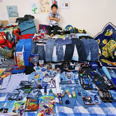 036-seokjune-and-his-blue-things-2005