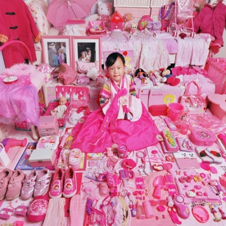 043-yerim-and-her-pink-things-2005