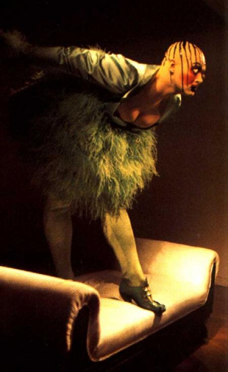091-performance-art-leigh-bowery-anthony-doffay-gallery-1988