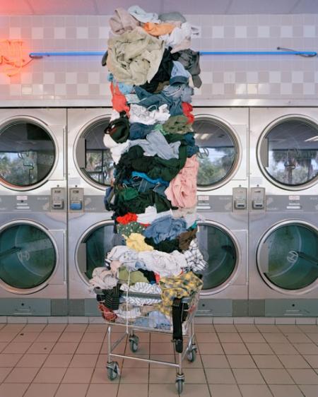 005-laundry-totem