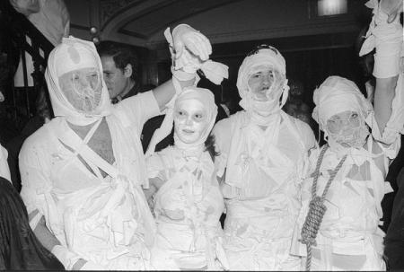 033-halloween_mummies.jpg