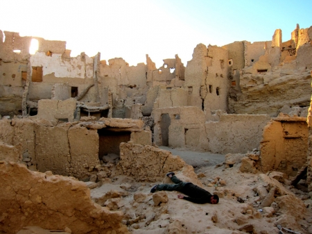 004-dead-in-the-shali-fortress