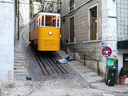 028-dead-in-lisbon