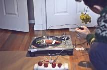 Roy Rochlin: J.viewz Playing Teardrop with Vegetables